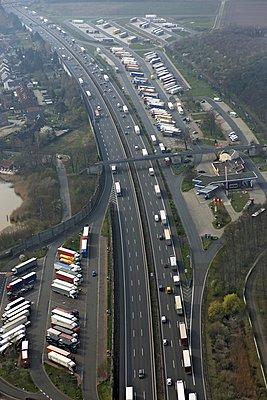 Highway - p1016m907436 by Jochen Knobloch
