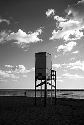 Bay watch tower at the beach in the evening, Malaga - p1681m2283663 by Juan Alfonso Solis