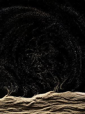 Blowing sand - p676m2263914 by Rupert Warren