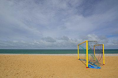 Tor am Strand - p829m716120 von Régis Domergue