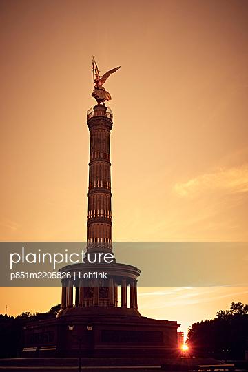 Siegessäule bei Sonnenuntergang, Berlin - p851m2205826 von Lohfink