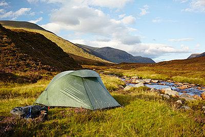 Zelten in den Grampian Mountains, Schottland - p1145m1558732 von Kerstin Lakeberg