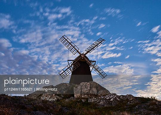 Windmühle im Mondlicht - p1124m1165621 von Willing-Holtz