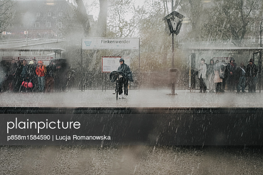 Regenwetter - p858m1584590 von Lucja Romanowska
