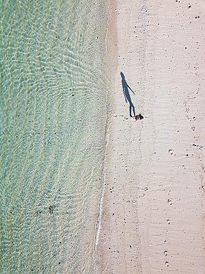 Indonesia, Bali, Melasti, Aerial view of Karma Kandara beach - p300m2042541 by Konstantin Trubavin