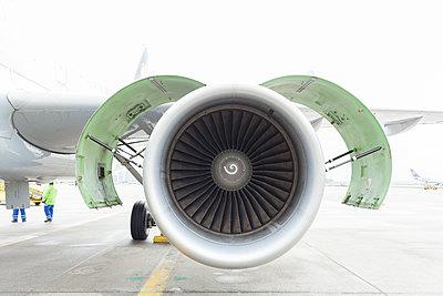 Airbus A319 - p1293m1144116 by Manuela Dörr