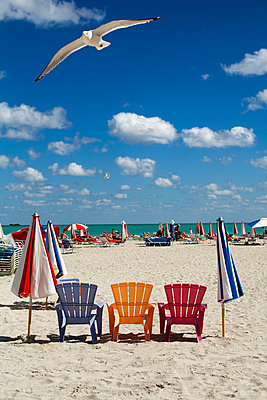 Miami Beach - p784m661818 by Henriette Hermann