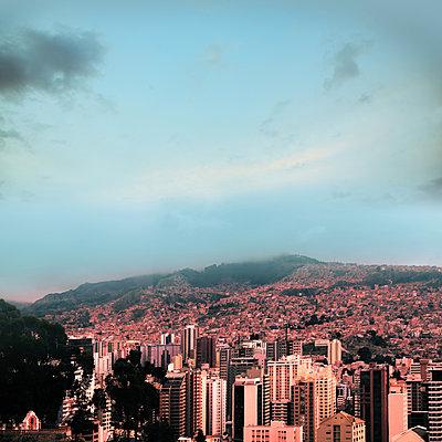 Stadtansicht La Paz - p1038m1575321 von BlueHouseProject