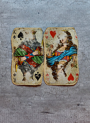 Two vintage playing cards - p1235m1538147 by Karoliina Norontaus