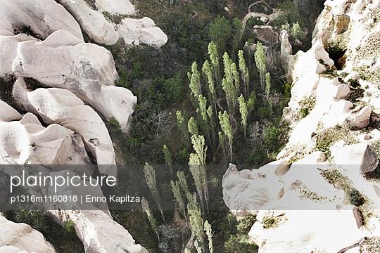 Tufflandschaft, Kappadokien, Zentralanatolien, Türkei - p1316m1160818 von Enno Kapitza