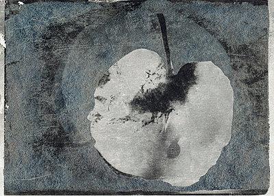 Apfelhaelfte - p9790534 von Bornemann