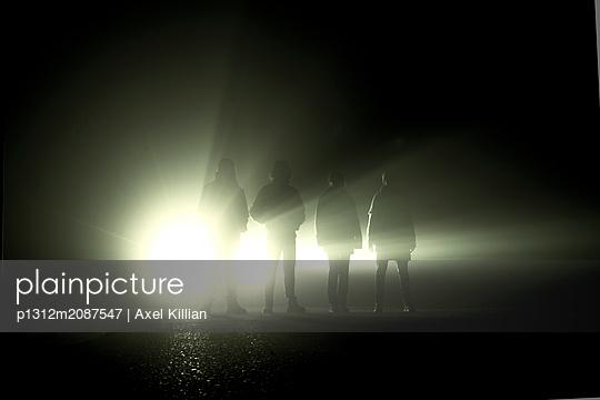 p1312m2087547 by Axel Killian