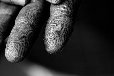 Schmutzige Finger - p1195m1195464 von Kathrin Brunnhofer