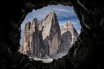 Blick auf eine Felsformation - p741m2077007 von Christof Mattes
