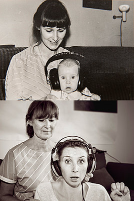 Mother and daughter in now and then photos, wearing headphones at home - p300m997867f by Mareen Fischinger