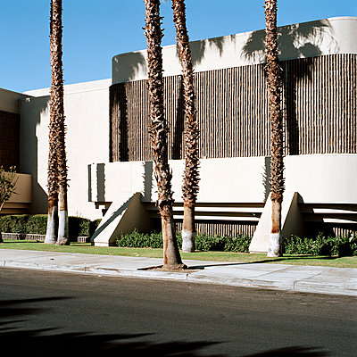 A building with interesting architectural features, Palm Springs, California - p1094m900171 by Patrick Strattner