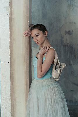 Ballerina portrait - p1476m1564058 by Yulia Artemyeva