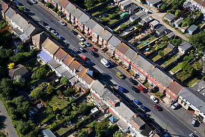 Aerial view of brighton houses - p9249282f by Image Source