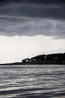 Brittany coast - p1682m2272899 by Régine Heintz