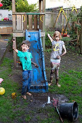 Muddy kidy - p901m2222073 by St. Fengler