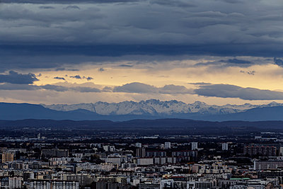 View of Grenoble at sunset - p910m1467709 by Philippe Lesprit
