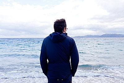 Ausblick aufs Meer - p978m1176887 von Petra Herbert