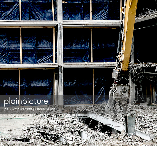 Construction demolition Cutters  - p1082m1487988 by Daniel Allan
