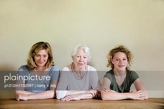 Drei Generationen  - p1212m1152887 von harry + lidy