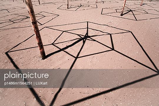 Schattenwurf 1 - p1486m1564251 von LUXart