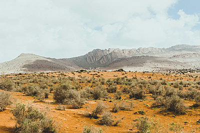Dunes and mountains - p445m1552777 by Marie Docher