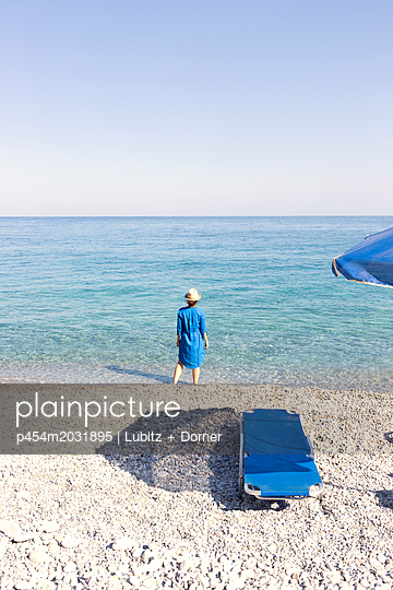Blue day - p454m2031895 by Lubitz + Dorner
