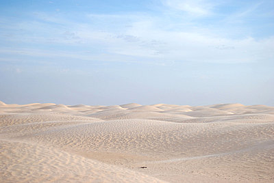 Desert and Blue Sky, Tunisia, Africa - p6944642 by Noll Images