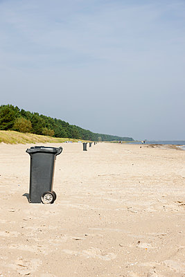 Dustbins on the beach - p248m949424 by BY
