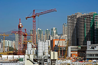 Hong Kong under construction - p589m1165833 by Thierry Beauvir