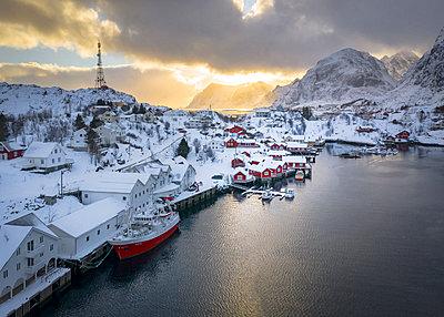 Stunning Norway - p1166m2130355 by Cavan Images