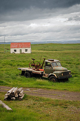 Abandoned house - p470m934102 by Ingrid Michel