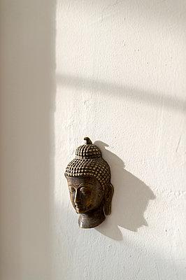 Head of Buddha - p949m948535 by Frauke Schumann
