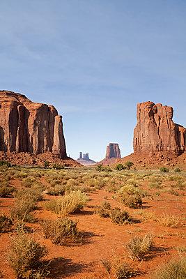 Monument Valley Nartional Park - p1525m2087258 von Hergen Schimpf