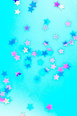 Confetti stars - p1149m2043386 by Yvonne Röder