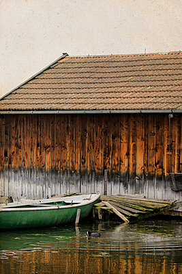 Wooden hut on the lake - p450m1042343 by Hanka Steidle