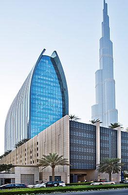 Burj Khalifa - p1276m1092435 by LIQUID