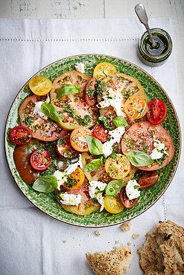 Tomatensalat - p1612m2223515 von Heidi Coppock-Beard