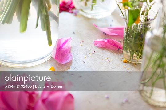 Summer romance - p454m2192405 by Lubitz + Dorner