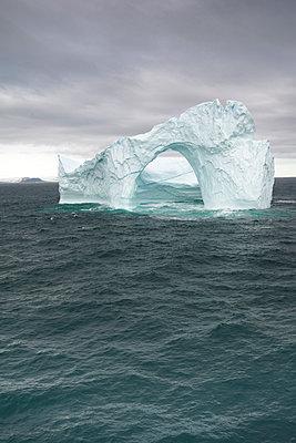 Eisberg - der Melville Bay - p1486m2082903 von LUXart
