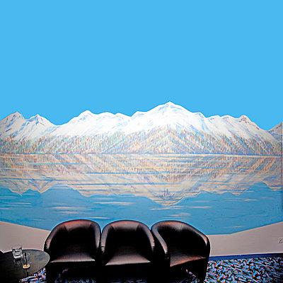 Bemalte Wand - p230m889862 von Peter Franck