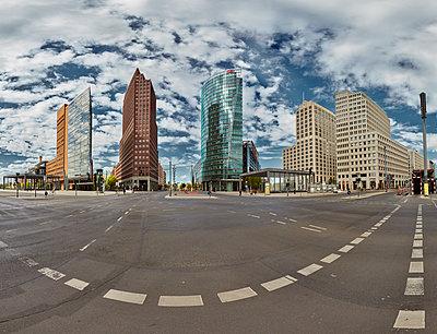 Germany, Berlin, Potsdamer Platz, Skyline - p1015m2195722 by Nino Gehrig