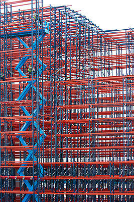 Constructing high rack storehouse - p719m1333196 by Rudi Sebastian