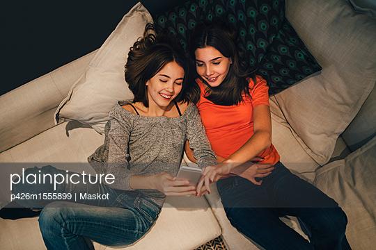 p426m1555899 von Maskot