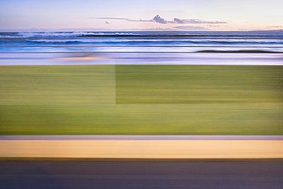 Bewegungsunschärfe - p335m1007598 von Andreas Körner