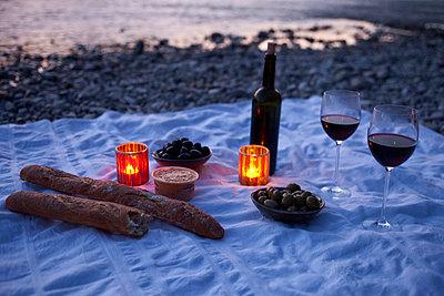 Picknick for dinner - p2530277 by Oscar